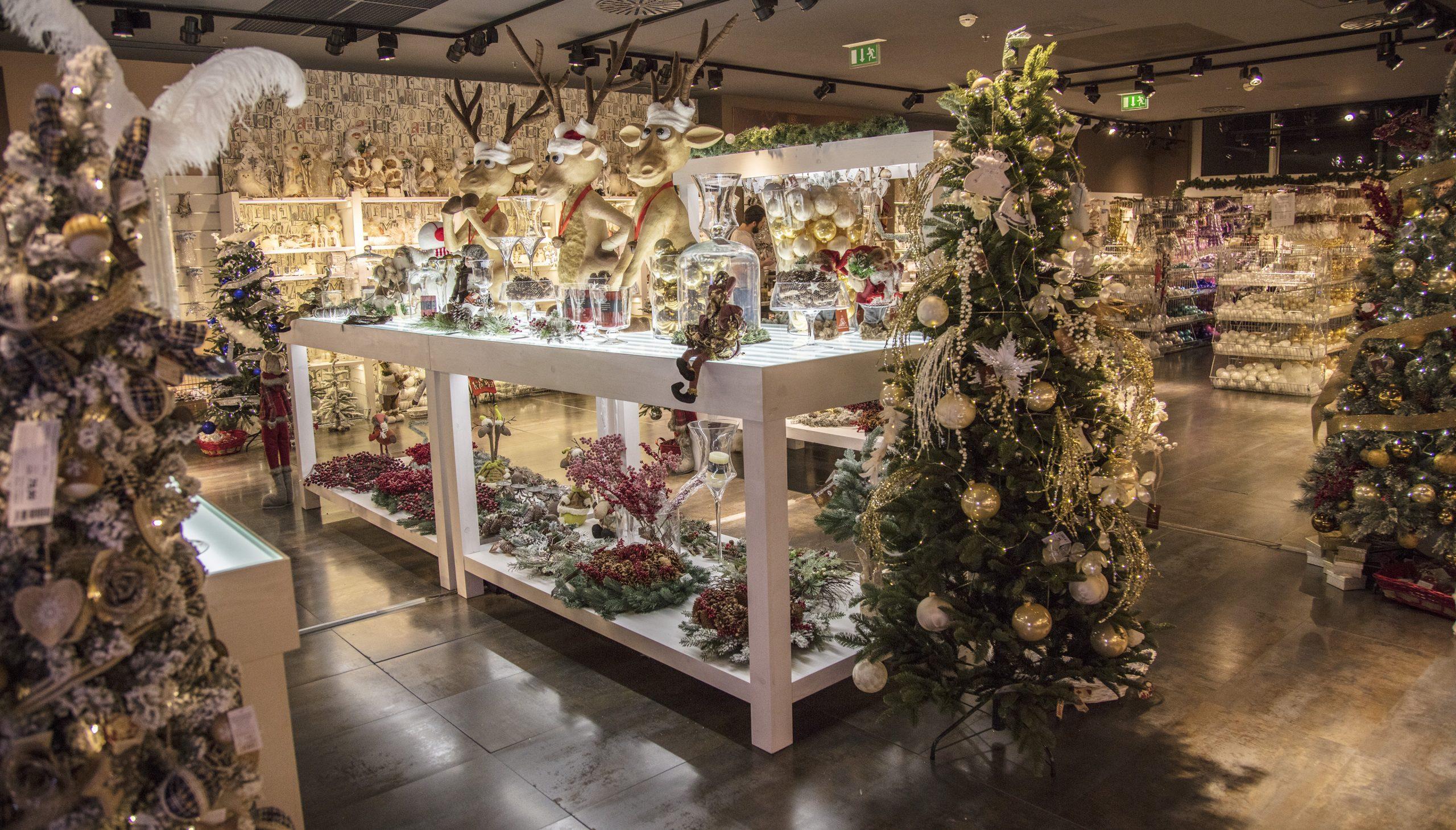 krasne vianoce vyšperkuj si stromček